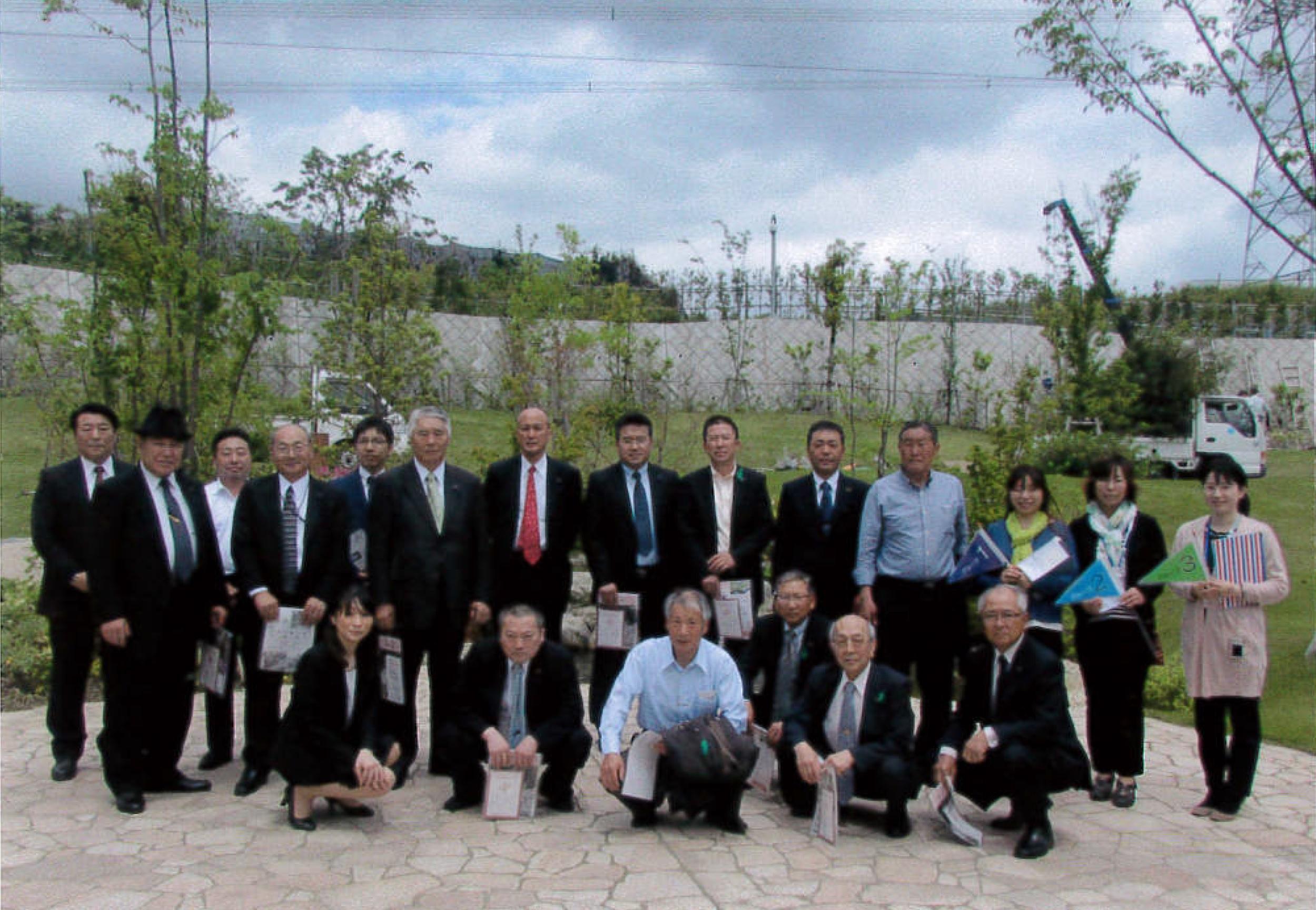 青森県五戸市からは議員の皆さんが樹木葬の視察に見えました。